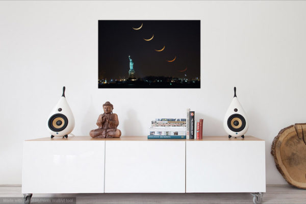 Room ViewCrescent Moon Stack Statue of Liberty